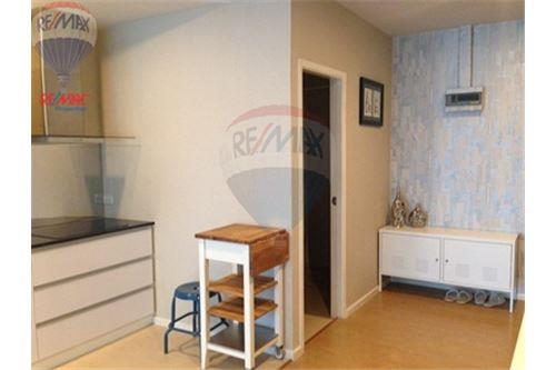 RE/MAX Properties Agency's FOR SALE RENOVA RESIDENCE CHIDLOM  2BED 105SQM 14