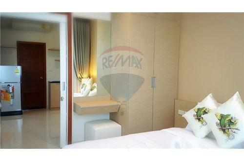 RE/MAX Properties Agency's UR thonglor soi 13 - condo for rent 2