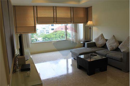 RE/MAX Executive Homes Agency's Beautiful 2 Bedroom for Rent Hampton Thonglor 1