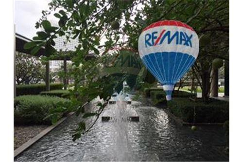 RE/MAX Properties Agency's FOR SALE  THE RIVER    2 BED 78SQM 40