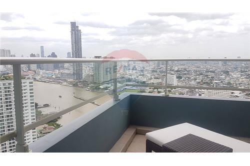 RE/MAX Executive Homes Agency's The Watermark Chao Phraya Condo sale/rent 8