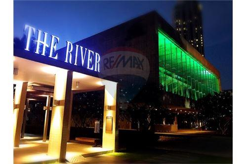 RE/MAX Executive Homes Agency's Spacious 1 Bedroom for Sale with Tenant The River 7
