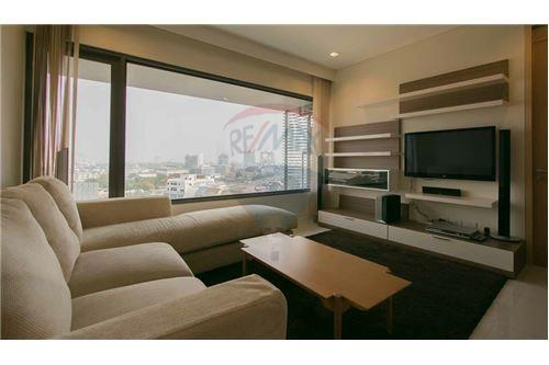 RE/MAX Executive Homes Agency's Nice 2 Bedroom for Rent Amanta Lumpini 2