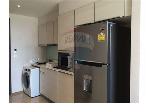 RE/MAX Properties Agency's RENT H Sukhumvit 43 2BED 60SQM. 11