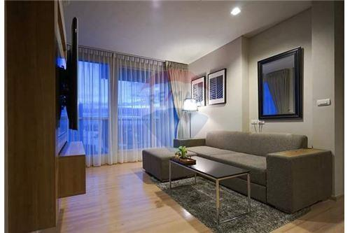 RE/MAX Executive Homes Agency's Stunning 2 Bedroom for Sale Rhythm Sathorn 21 1