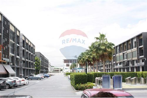 RE/MAX Executive Homes Agency's Home office,  close to Suvarnabhumi Airport, Onnut 1