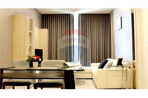 RE/MAX Executive Homes Agency's Spacious 1 Bedroom for Rent Noble Phloenchit 1