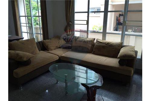 RE/MAX Executive Homes Agency's Spacious 3 Bedroom House for Sale Imperial Park 2