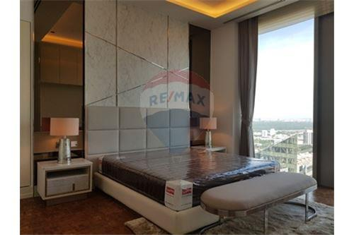 RE/MAX Properties Agency's RENT MahaNakhon Tower 2BED 124SQM. 5
