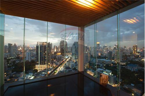 RE/MAX Executive Homes Agency's AEQUA Residence Sukhumvit 49 / 1 Bed / For Sale 1