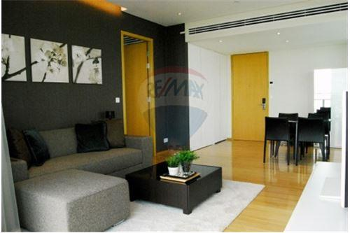 RE/MAX Properties Agency's AEQUA Residence Sukhumvit 49 - Condos for Rent 2