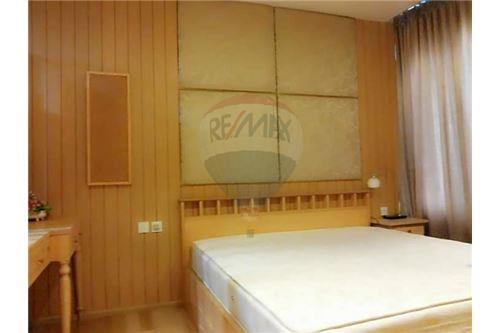 RE/MAX Executive Homes Agency's Spacious 1 Bedroom for Rent Siri @ Sukhumvit 2