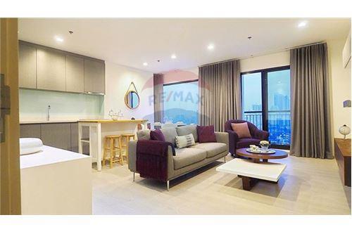 RE/MAX Properties Agency's Rhythm Sukhumvit 36-38 2 BED 88 Sqm. 3