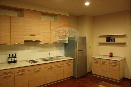 RE/MAX Properties Agency's Noble Ora 2bed 2bath 3