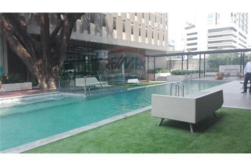 RE/MAX Executive Homes Agency's 2 Bedroom / For Rent / at Piya residence Soi 28 1