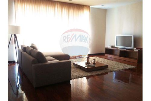 RE/MAX Executive Homes Agency's Spacious 3 Bedroom for Rent Wilshire Condo 1