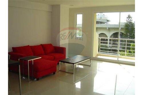 RE/MAX Properties Agency's 2bedrooms nice view Serene Place Sukhumvit 24 3