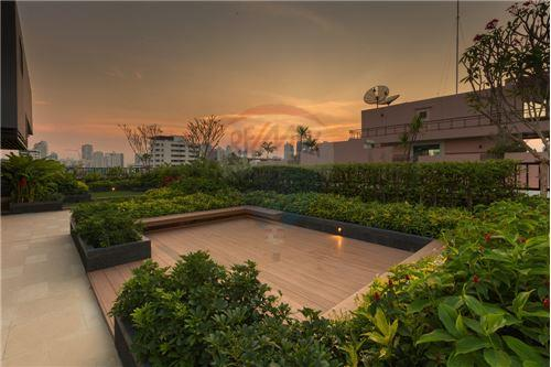 RE/MAX Executive Homes Agency's 1 Bedroom / for Sale / art @ thonglor 25 13