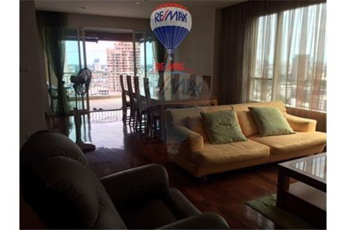 RE/MAX Properties Agency's FOR RENT  WILSHIRE SUKHUMVIT 22   3BED 166SQM 2