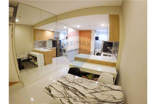 RE/MAX Executive Homes Agency's Nice 1 Bedroom for Rent Villa Asoke 6