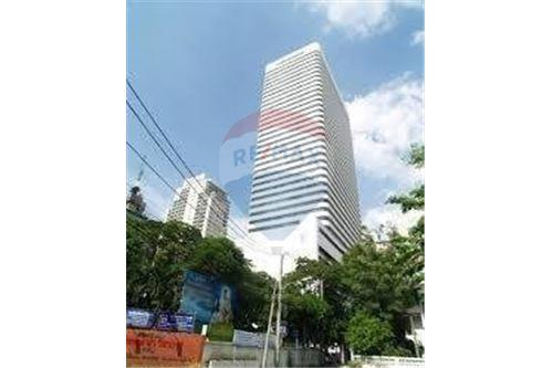 RE/MAX Properties Agency's RENT Ocean Tower 2 35.5SQM. (OFFICE SPACES) 3
