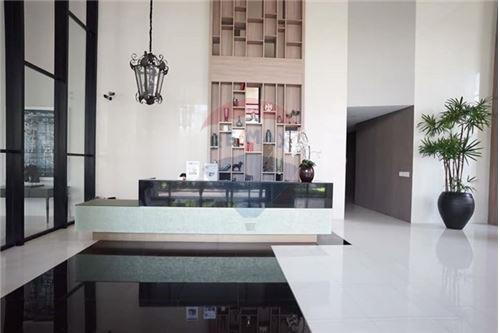 RE/MAX Executive Homes Agency's Capital Ekamai-Thong Lo sale/rent 11