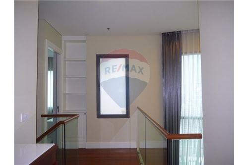 RE/MAX Properties Agency's Sale Bright Sukhumvit 24 3BED 179SQM. 8