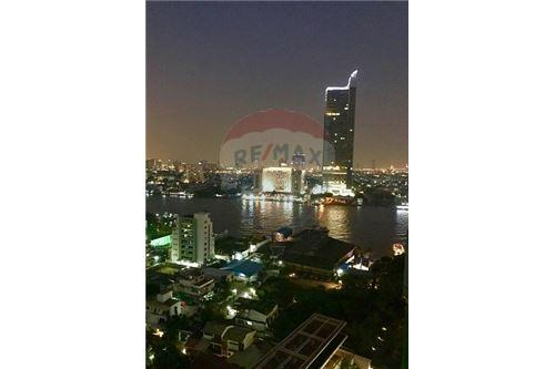 RE/MAX Executive Homes Agency's The Watermark Chao Phraya Condo sale/rent 6