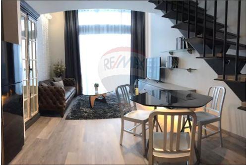 RE/MAX Executive Homes Agency's The Loft Ekkamai / 1 Bedroom&Duplex / for Rent 1