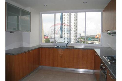 RE/MAX Executive Homes Agency's Apartment for rent  / 3 Bedrooms in sukhumvit Area 4