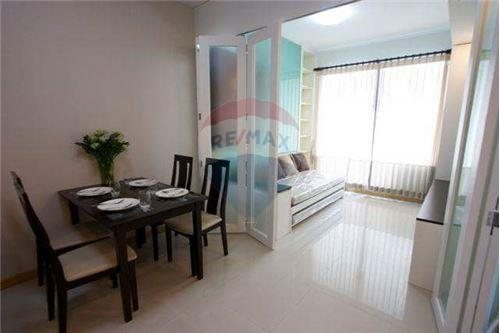 RE/MAX Executive Homes Agency's Spacious 1 Bedroom for Rent Supalai Premier Place 6
