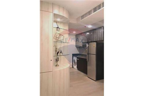RE/MAX Properties Agency's RENT Condo Ashton Chula-Silom 2BED 55SQM. 9