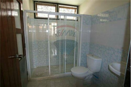 RE/MAX Properties Agency's SALE Townhouse EKAMAI 12 41SQ.Wah 11