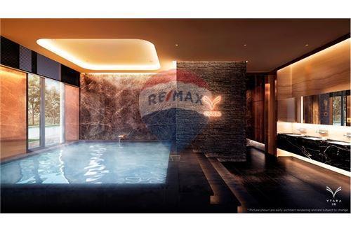 RE/MAX Executive Homes Agency's FQ - Vtara 2 Bed 2 Bath - Top Floor 6