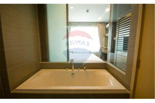 RE/MAX Executive Homes Agency's Lovely 2 Bedroom for Rent Siri @ Sukhumvit 10
