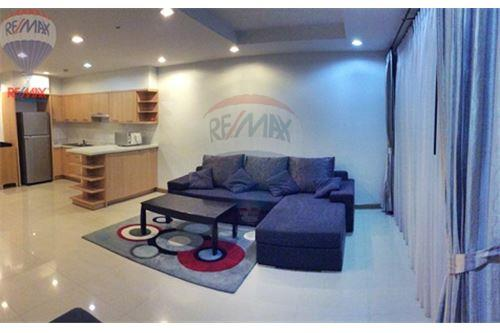 RE/MAX Properties Agency's FOR RENT   THE RISE SUKHUMVIT 39    2 BED 102SQM 4