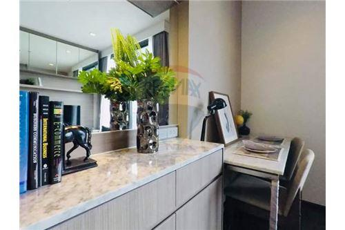 RE/MAX Executive Homes Agency's Beautiful 1 Bedroom for Rent Edge 23 5