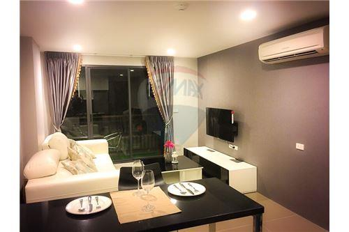RE/MAX Executive Homes Agency's One Bedroom For Sale At Mirage Sukhumvit 27 9