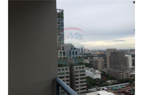 RE/MAX Properties Agency's FOR RENT Q  LANGSUAN  2BED 85SQM 10