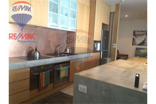 RE/MAX Properties Agency's FOR SALE & RENT The Madison 2BED 152SQM. 11