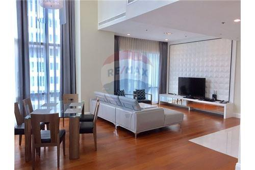 RE/MAX Properties Agency's Sale Bright Sukhumvit 24 3BED 179SQM. 1