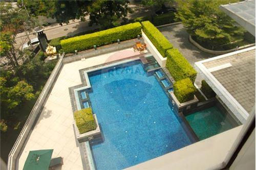 RE/MAX Executive Homes Agency's Beautiful 2 Bedroom for Rent Hampton Thonglor 11