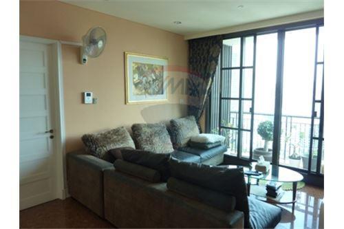 RE/MAX Properties Agency's Condo for Sale at Aguston Condominium sukhumvit 22 7