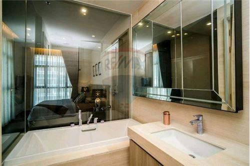RE/MAX Executive Homes Agency's Stunning 1 Bedroom for Sale XXXIX by Sansiri 6
