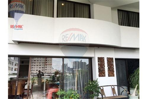 RE/MAX Properties Agency's FOR SALE  LE  RAFFINE SUKHUMVIT 24   3BED 370SQM 17