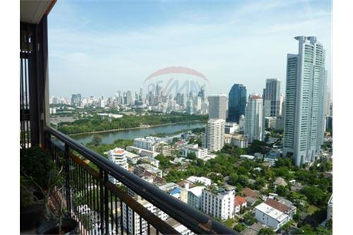 RE/MAX Properties Agency's Condo for Sale at Aguston Condominium sukhumvit 22 13