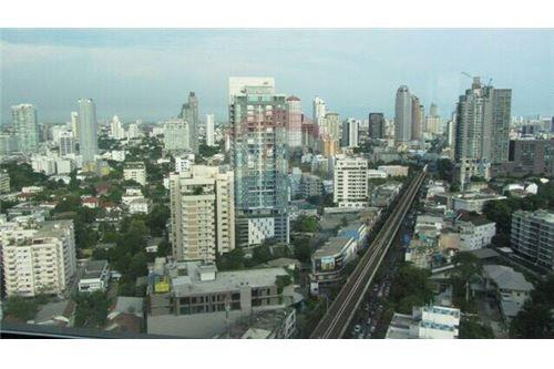 RE/MAX Executive Homes Agency's The Address Sukhumvit 28 for sale/rent (BTS Phrom 3
