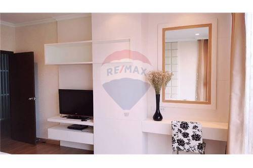 RE/MAX Executive Homes Agency's Spacious 1 Bedroom for Sale The Rajadamri 6