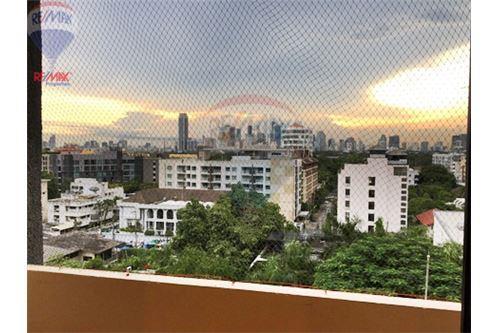 RE/MAX Properties Agency's FOR RENT  LA MAISON SUKHUMVIT 22  2BED 125SQM 4