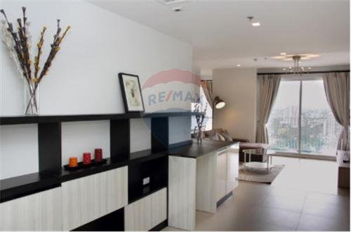 RE/MAX Executive Homes Agency's Nice 2 Bedroom for Rent HQ Thonglor 6